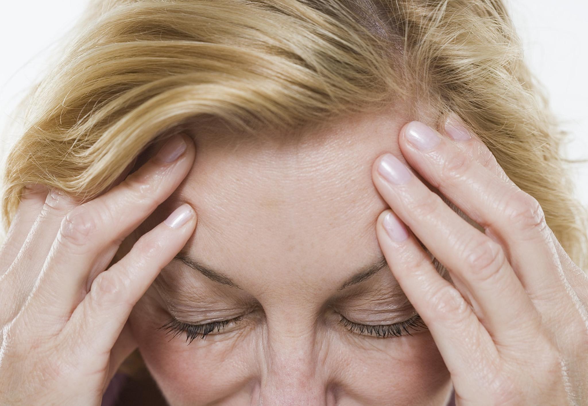 Себорейный дерматит волосистой части головы: фото, причины, лечение