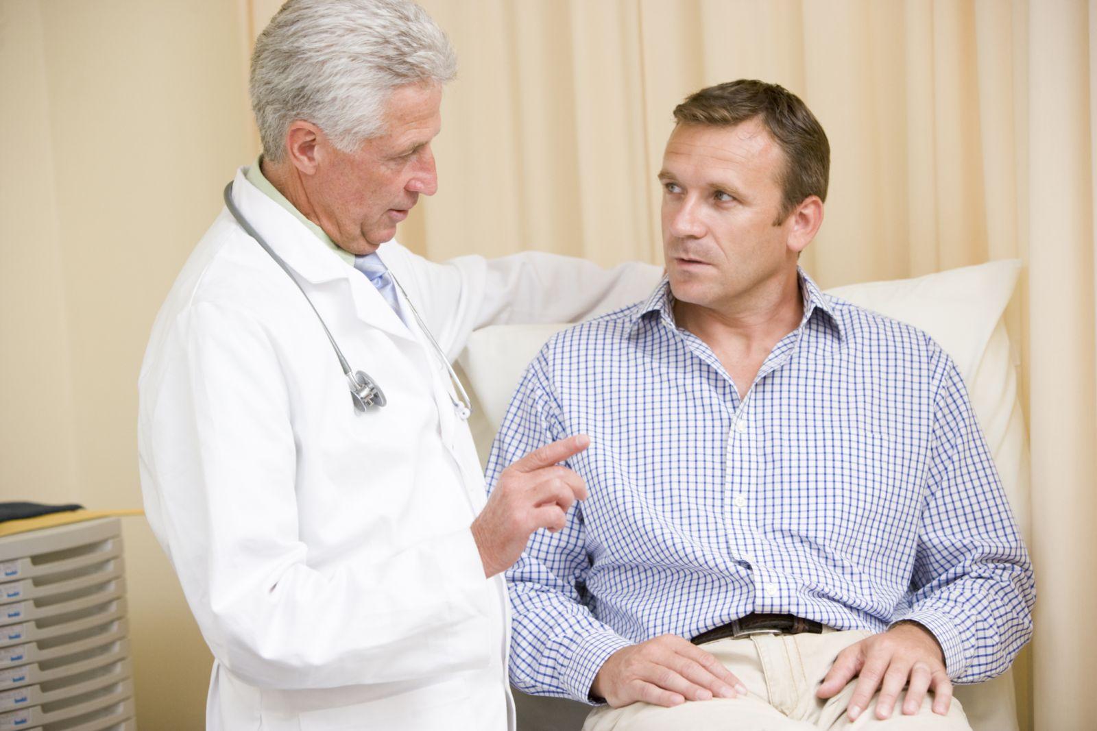 Опоясывающий герпес: фото, симптомы, лечение, заразен ли опоясывающий герпес
