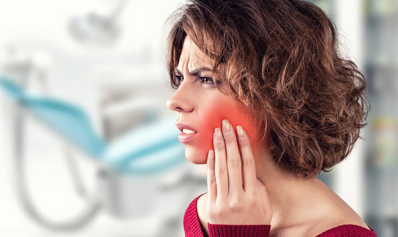 Флюс на десне: фото, причины, лечение зубного флюса
