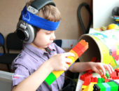 Ребенок с симптомами аутизма