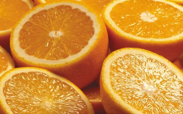 Нарезанные плоды апельсина