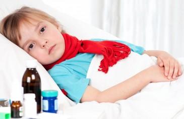 Болеющий ребёнок в постели