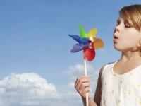 Девочка с ветряной мельницей