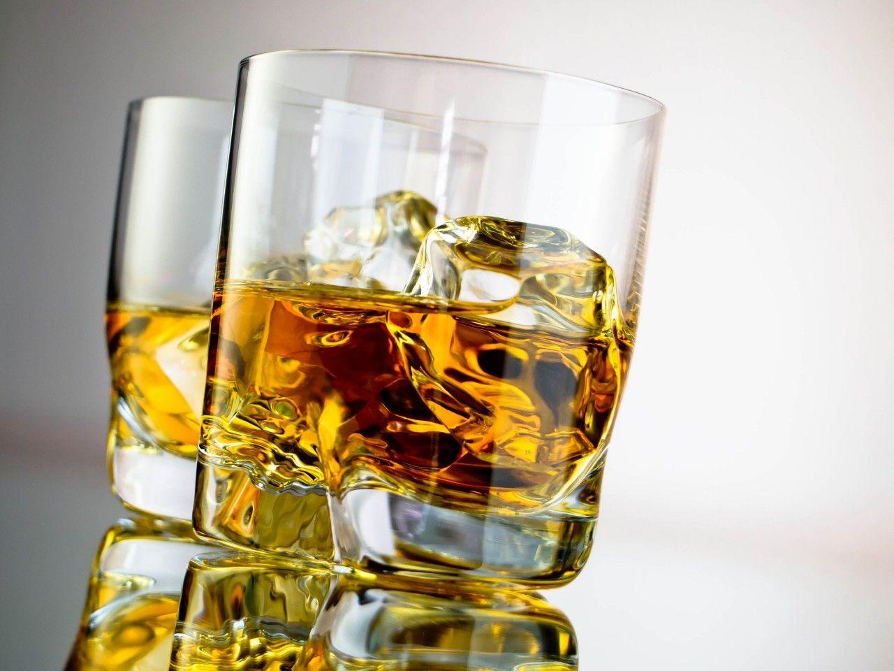Боль в желудке после алкоголя: причины и способы лечения