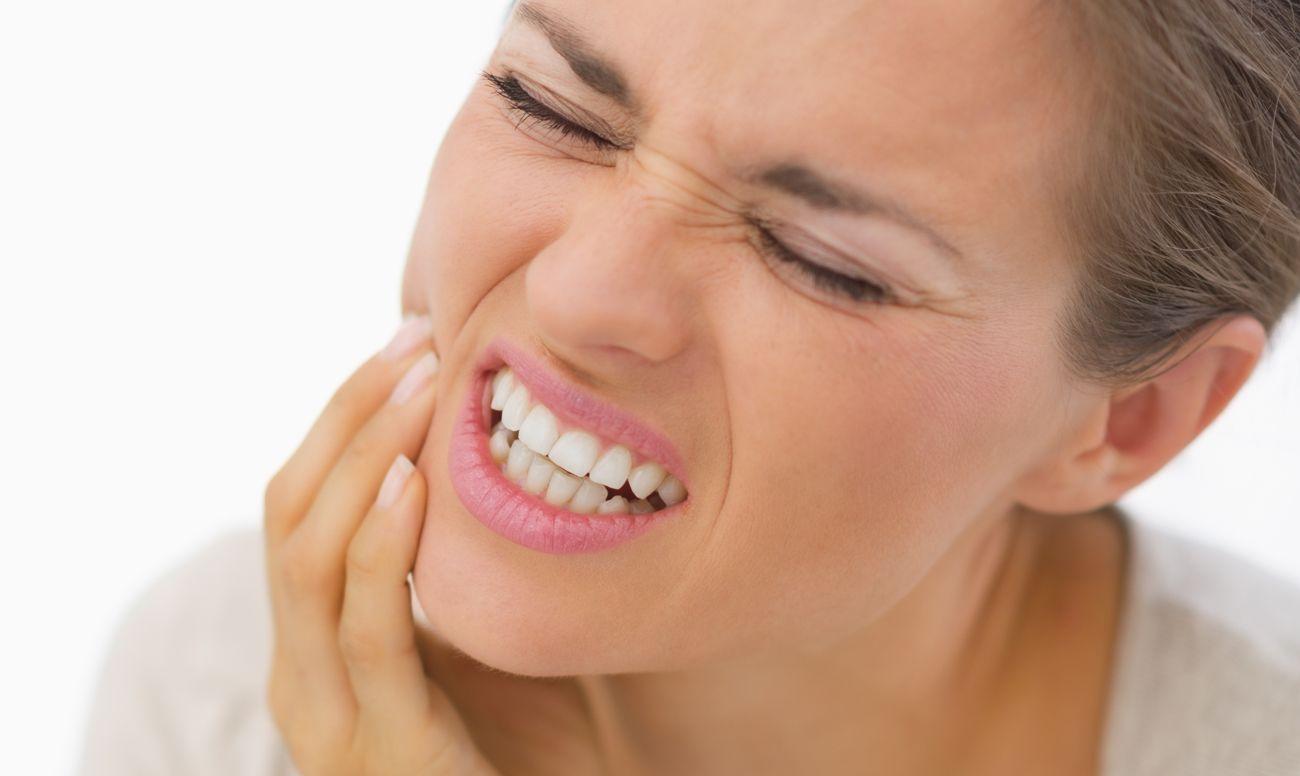 Чем может быть вызван скрежет зубами (бруксизм)