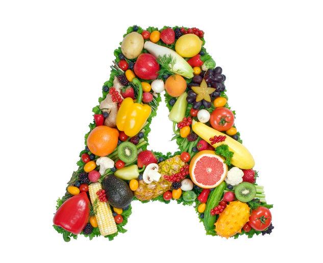 Витамин А, выложенный из фруктов