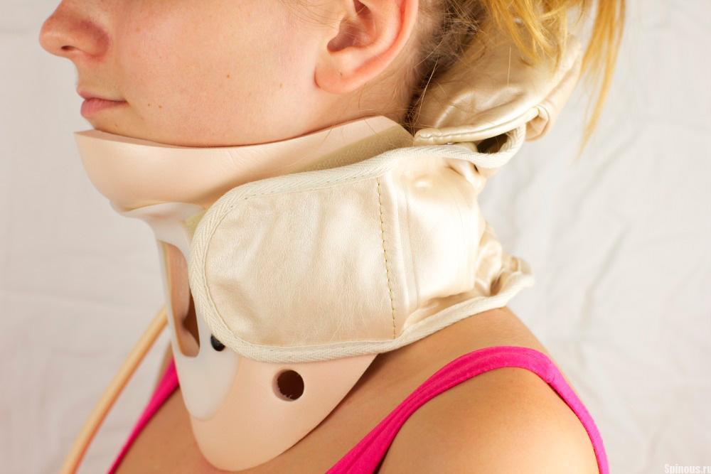 Смещение шейных позвонков: симптомы, лечение, последствия