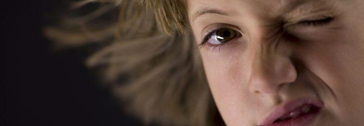 Частые нервные тики у подростков. Как с ними справиться?