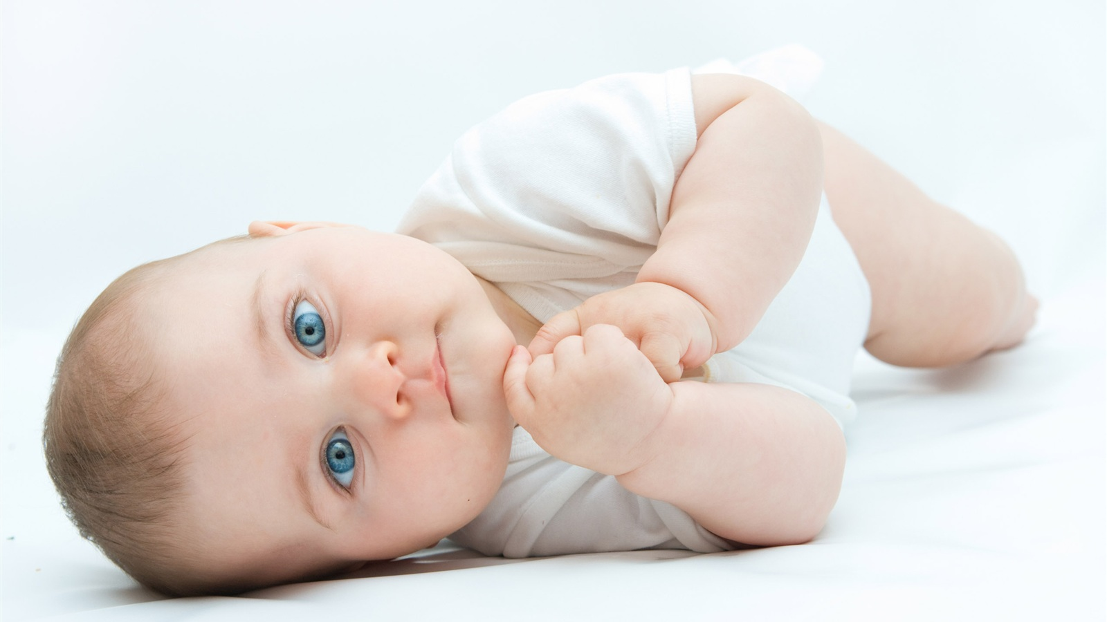 Микролакс для новорождённых: «скорая помощь» при запорах