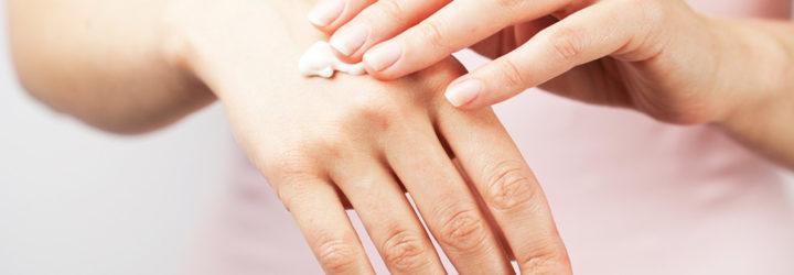 Трещины на руках, пальцах рук: причины, лечение