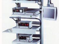 Стойка с монитором и оборудованием