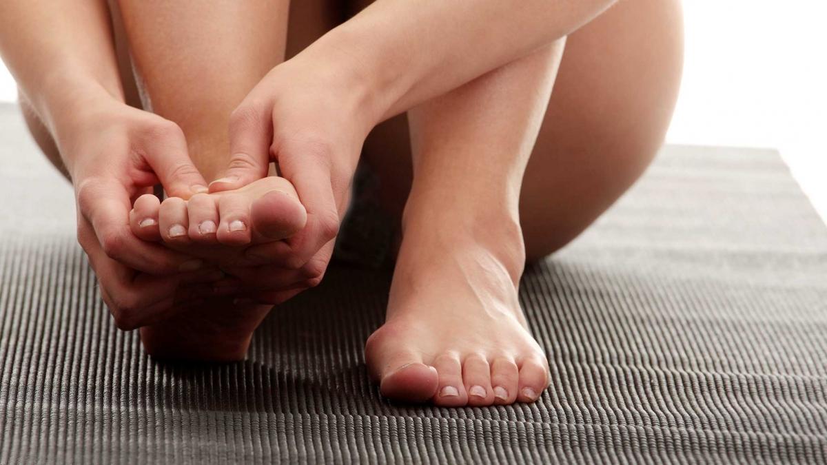 Дерматит на ногах — свидетельство нарушений в организме
