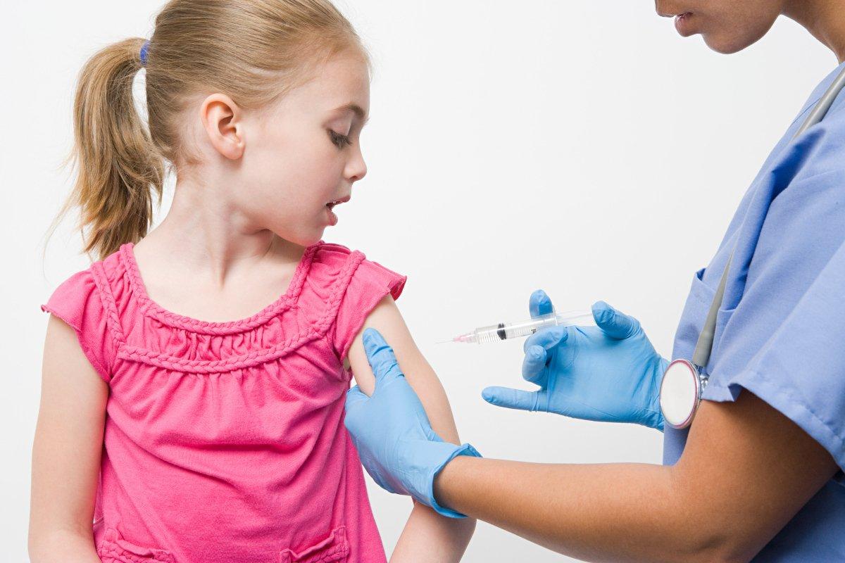 аллергия у взрослых на грудине