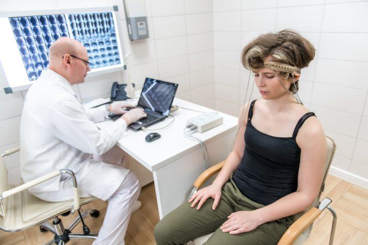 РЭГ сосудов головного мозга (реоэнцефалография): что это, расшифровка