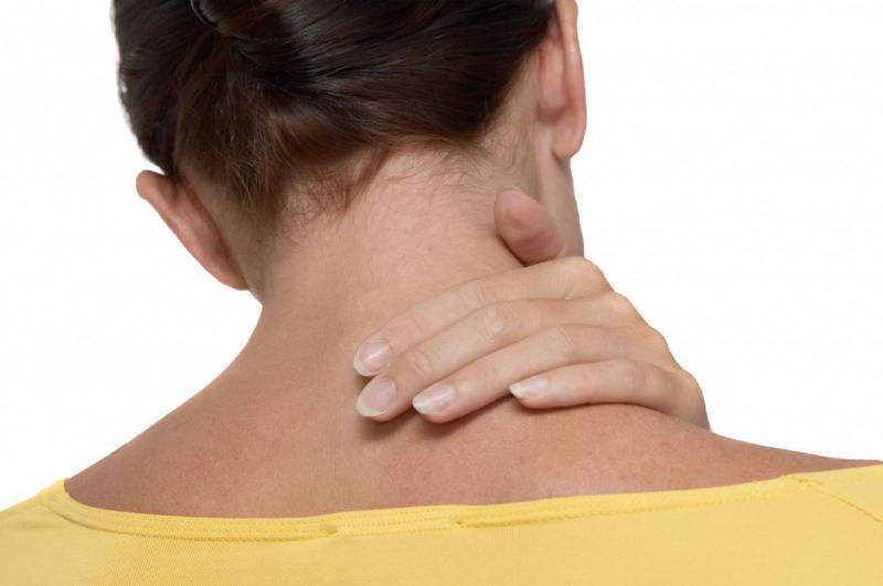Липома (жировик) на шее — причины и лечение недуга