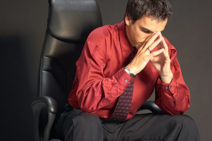 Мужчина в состоянии стресса