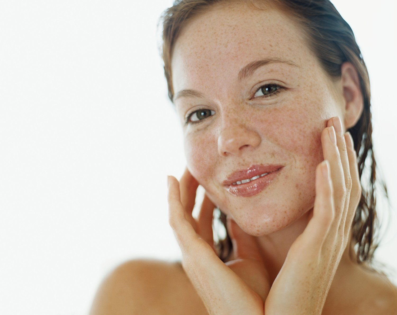 Пигментные пятна на лице: причины и варианты лечения