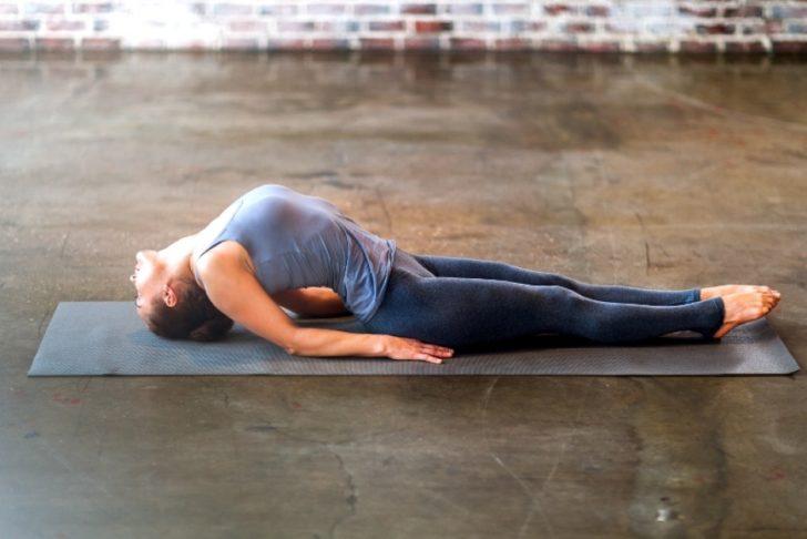 Упражнения для спины при нарушении осанки видео