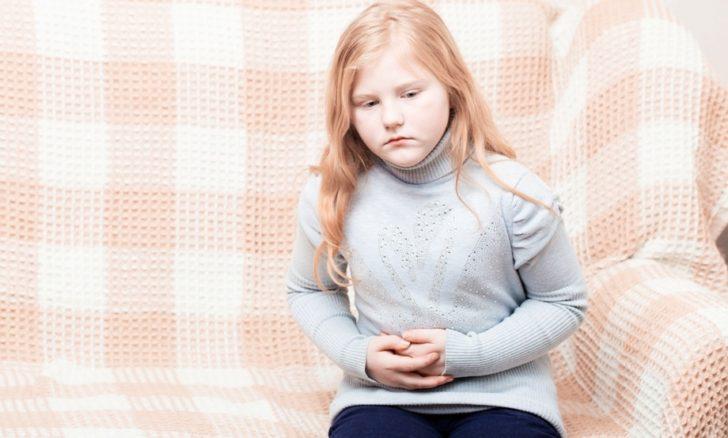 У ребенка боль в животе и тошнота