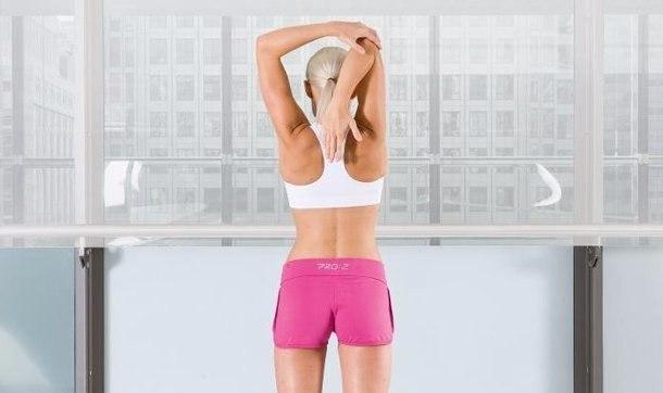 Упражнение для растяжки и укрепления грудных мышц
