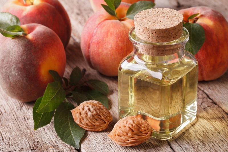 Персиковое масло: спасение для лица