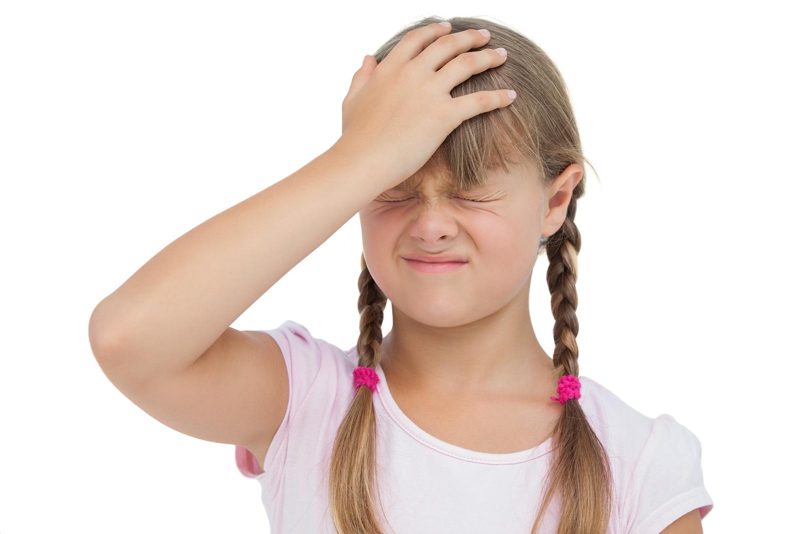 Как устранить головную боль и тошноту у ребёнка