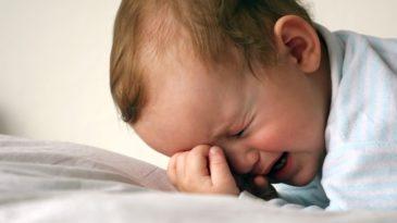 У ребенка боль в животе