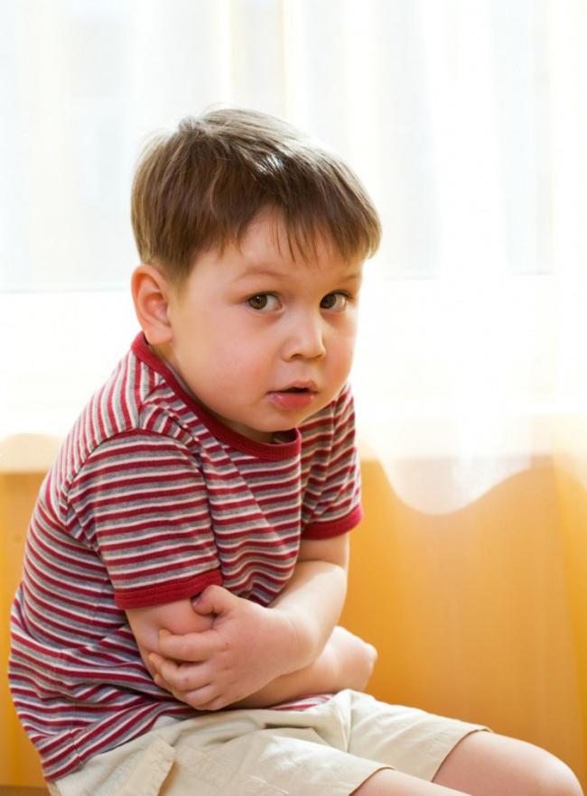 Если у ребенка болит живот ( 3 правила первой помощи)