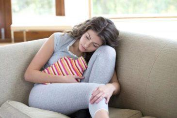 Как вызвать месячные во время задержки или раньше положенного срока в домашних условиях?