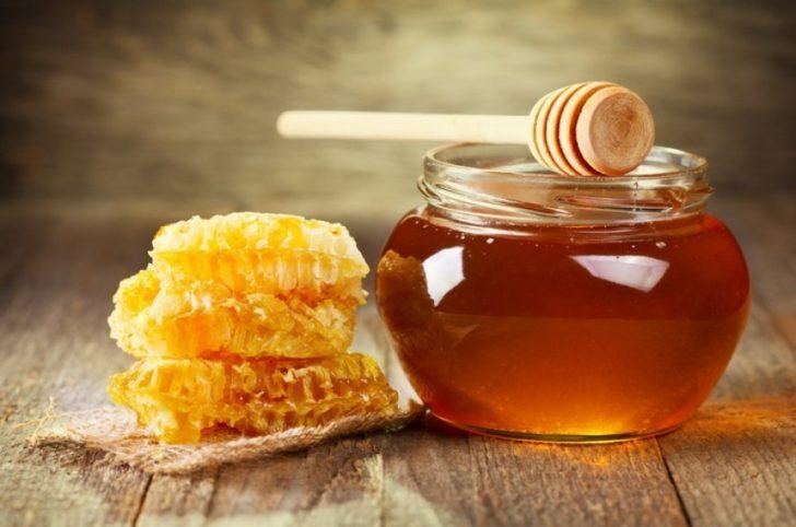 Мёд в сотах и банке