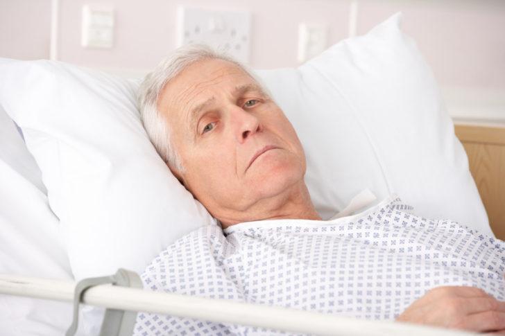 Больной долго лежит в постели