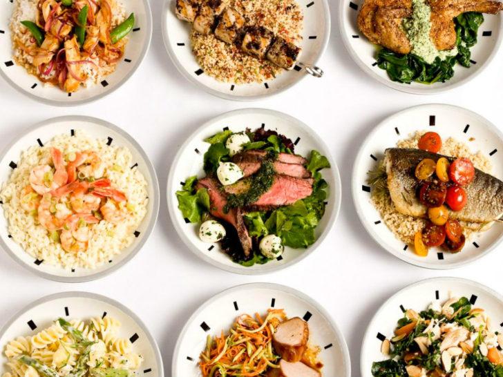 Тарелки со здоровой пищей
