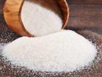 сахар рассыпан из бочки