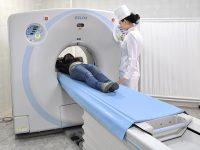 томограф, пациент и врач