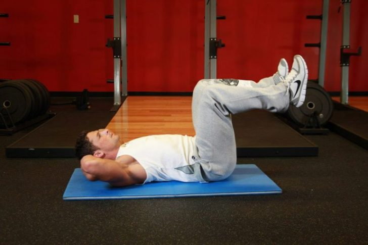 Упражнение в положении лёжа на спине