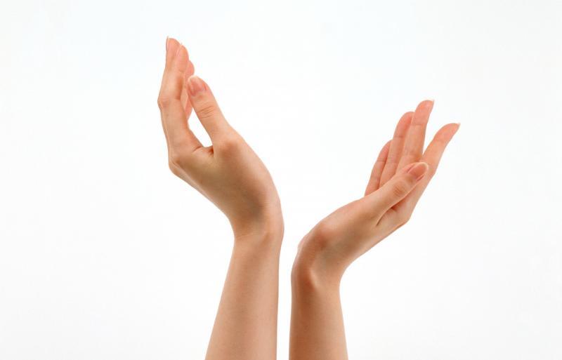 Онемение мизинцев на руках: стоит ли бить тревогу?