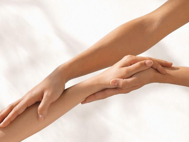 Онемение рук: когда стоит обратиться к врачу